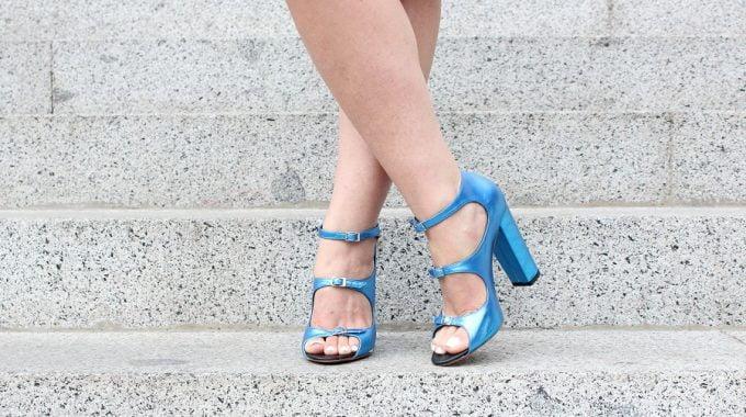 ¡Nada Como Un Par De Zapatos Metálicos!