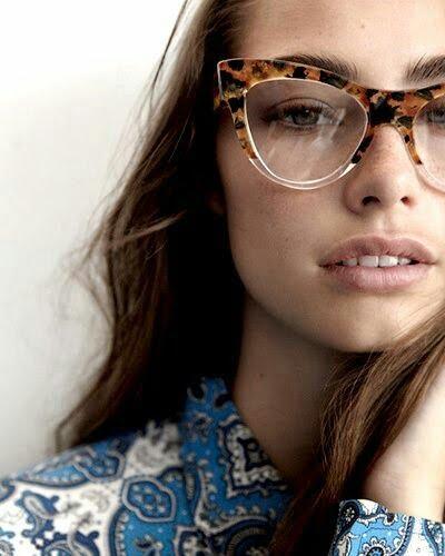 bcf717ba148 Cómo elegir el color del marco de tus anteojos – Consultora de Imagen
