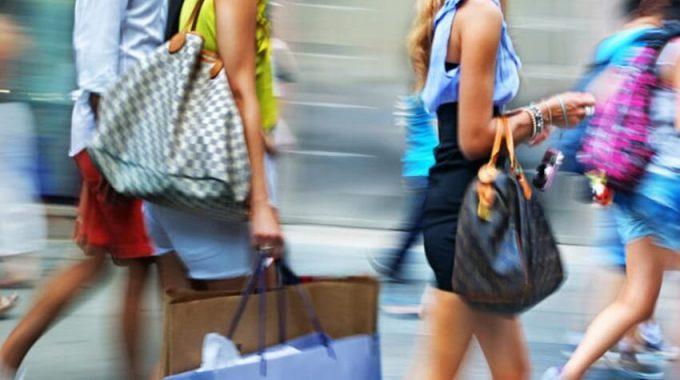 """Antes De Hacer Tu Próxima Compra, Esto Es Lo Que Debes Saber Acerca Del """"fast Fashion"""" O Moda Desechable"""