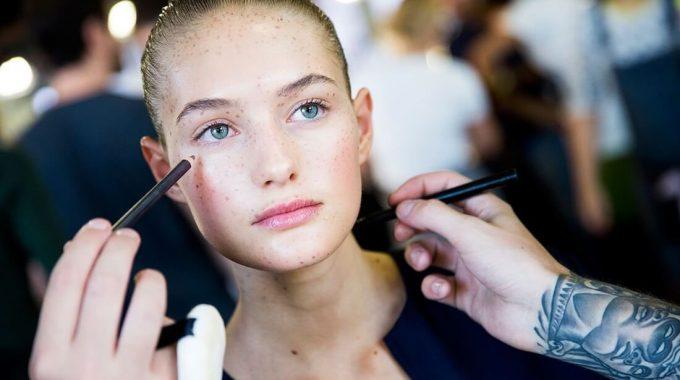 Cómo Mantener Tu Maquillaje Impecable En El Calor Del Verano
